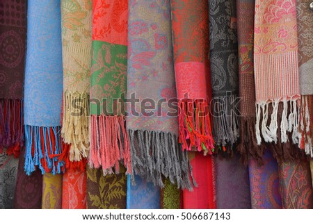 pattern of scarf