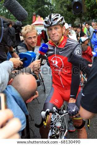 PAU, FRANCE - JULY 22:  Cyclist Lance Armstrong gives an interview before the start of the 17th stage of Tour de France 2010 on July 22, 2010 in Pau, France.