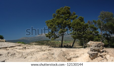 Phaestos ancient city  and ida mountains   in crète island