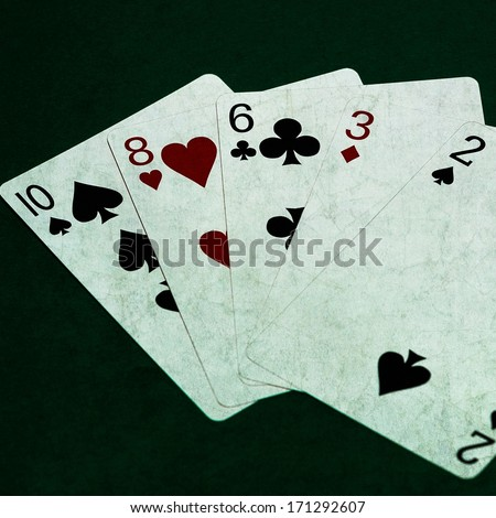 show me how to play 3 card poker