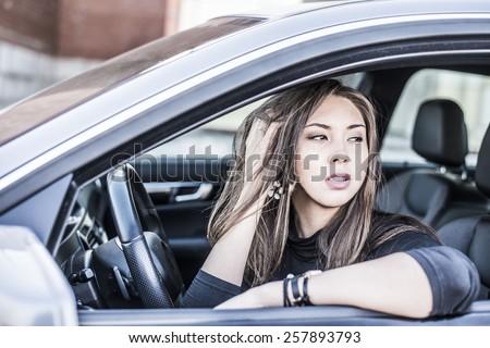 Fingering girl in car