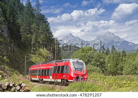 Rail transport in Tyrol - by train to the resort