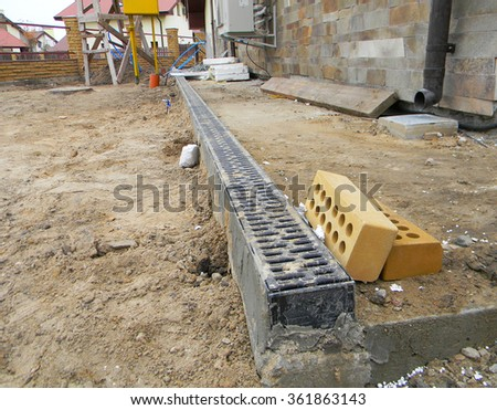 Rain gutter downspout drainage installation gutter stock for Rain drainage system