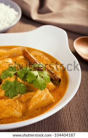 Rich and luxurious, butter chicken is mild and creamy and is enriched with cream and yoghurt. Here served with basmati rice. Not for the diet conscious, but a special treat is good for you too.