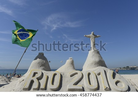 Rio de Janeiro-Brazil July 26, 2016, in Copacabana party awaits the 2016 Olympic Games. NO USE IN BRAZIL