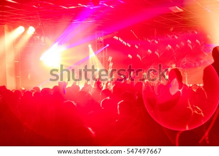 Rock show, req audience