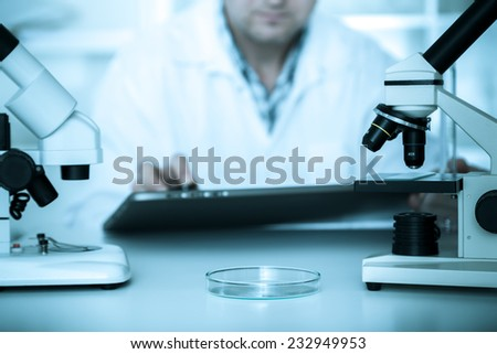 scientist working in the lab.