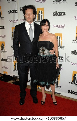 Shannen Doherty at the 13th Annual Hollywood Awards Gala. Beverly Hills Hotel, Beverly Hills, CA. 10-26-09