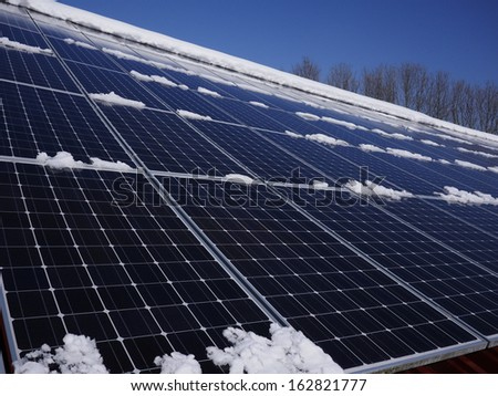 solar cell on on roof producing electricity