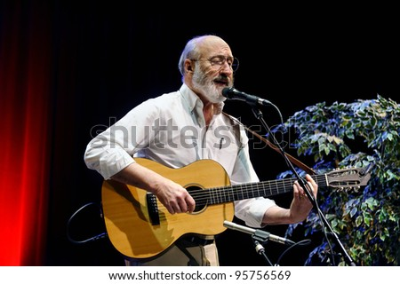 "ST. PETERSBURG, FLORIDA - FEBRUARY 18: Paul Stookey, best known as Paul in the folk trio ""Peter, Paul and Mary"", sings at The Palladium on February 18, 2012 in St. Petersburg, Florida."