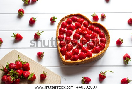 strawberry cheesecake in a heart shape