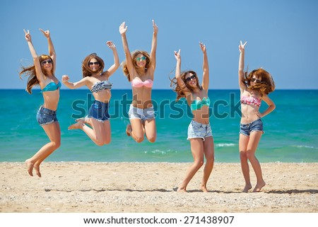 Summer Vacation Holiday Happy People Concept