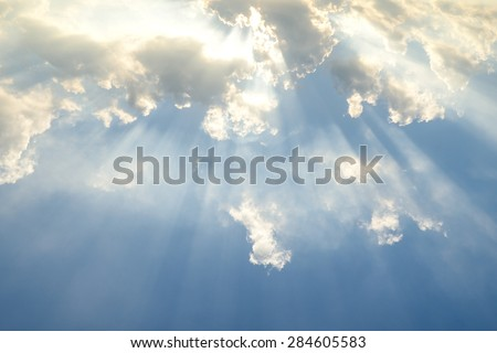 Sun light shining through the clouds