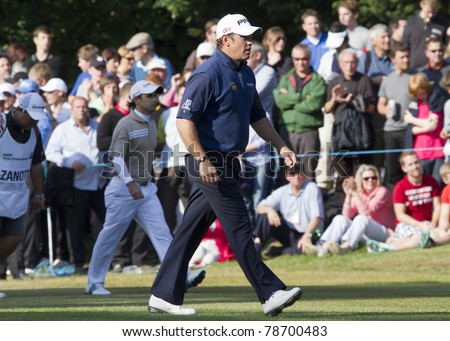 SURRY, ENGLAND - MAY 29: Lee Westwood walks to hole 18 during day four of the BMW PGA Championship on May 29, 2011 at the Wentworth Club in Surrey, England. Westwood wins second place.