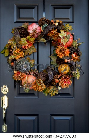 Thanksgiving wreath on front door