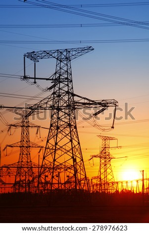 The evening electricity pylon silhouette, it is very beautiful