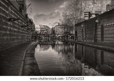 The Gas street Basin Tow path in Birmingham City Centre