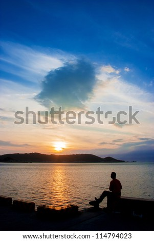 The leisurely fishing in the sunset
