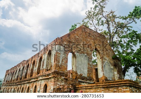 Tummnak Kummalean (Palace) at Wat Khudeedao, the ruin of a Buddh