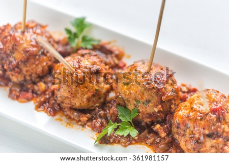 Turkey meatballs skewers
