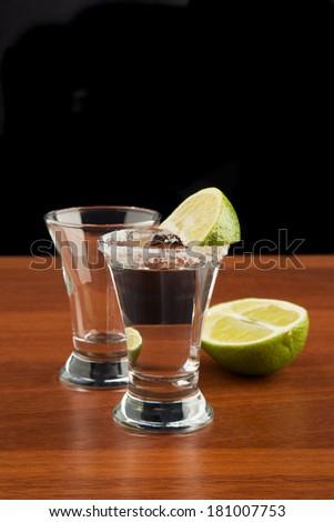 Tequila shot lemon slice salt zdj cie stockowe 102529832 for Nauka coffee table
