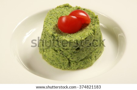 Vegetable puree with spinach