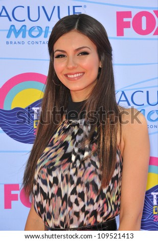 Victoria Justice at the 2012 Teen Choice Awards at the Gibson Amphitheatre, Universal City. July 23, 2012  Los Angeles, CA Picture: Paul Smith / Featureflash