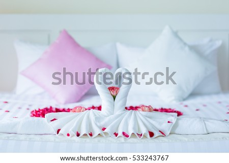 wedding decoration details for love couple
