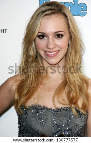 WEST HOLLYWOOD - AUGUST 27: Andrea Bowen at the 10th Annual Entertainment Tonight Emmy Party Sponsored by People in Mondrian August 27, 2006 in West Hollywood, CA.