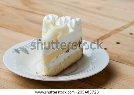 white chocolate cake