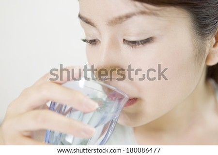 woman who drinks water