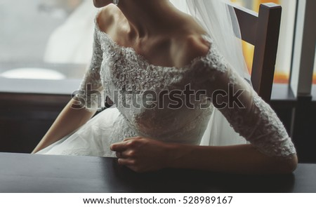 young elegant bride, wedding photography
