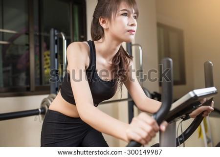 Young Beautiful Athlete Woman Gym Stock Photo 633577973 - Shutterstock